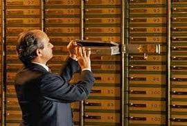 Швейцарские банки смогут требовать оплаты налогов у своих клиентов