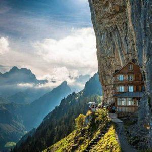 Швейцария устояла против посягательств на банковскую тайну внутри страны