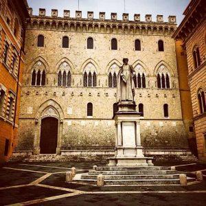 Старейший итальянский банк выставлен на продажу