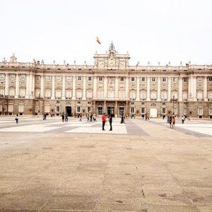 Испания напомнила нерезидентам их обязанности
