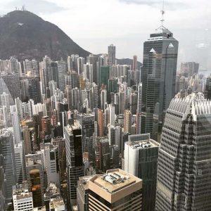 Гонконг добивается исключения из «черного списка» ЕС