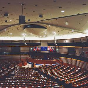 Московичи обещает реформу корпоративного налога ЕС в 2016 году